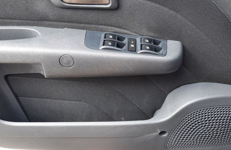 Fiat Siena Essence 1.6 16V (Flex) - Foto #8