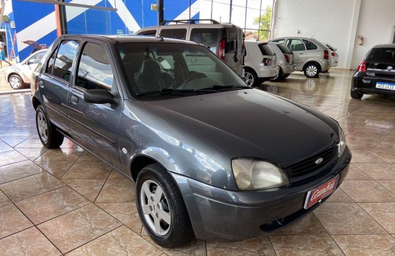 Ford Fiesta Hatch 1.0 - Foto #1