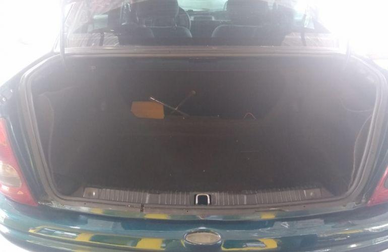 Chevrolet Corsa 1.0 MPFi Sedan 8v - Foto #10