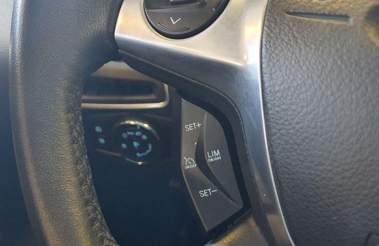 Ford Focus 2.0 Titanium Hatch 16v - Foto #7