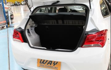 Chevrolet Onix 1.0 LT Black - Foto #4