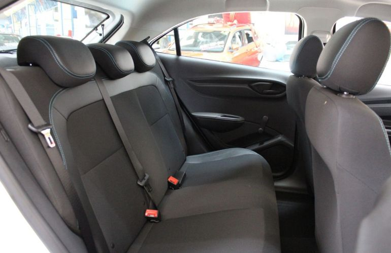 Chevrolet Onix 1.0 LT Black - Foto #6