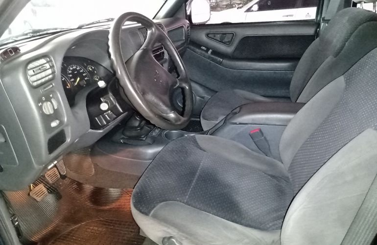 Chevrolet S10 Luxe 4x2 2.8 (Cab Dupla) - Foto #9