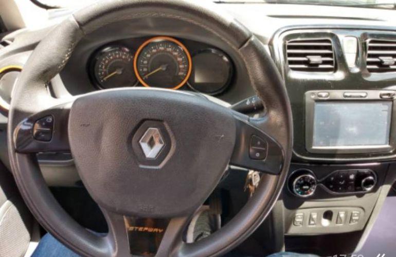 Renault Sandero Stepway 1.6 8V (Flex) - Foto #5