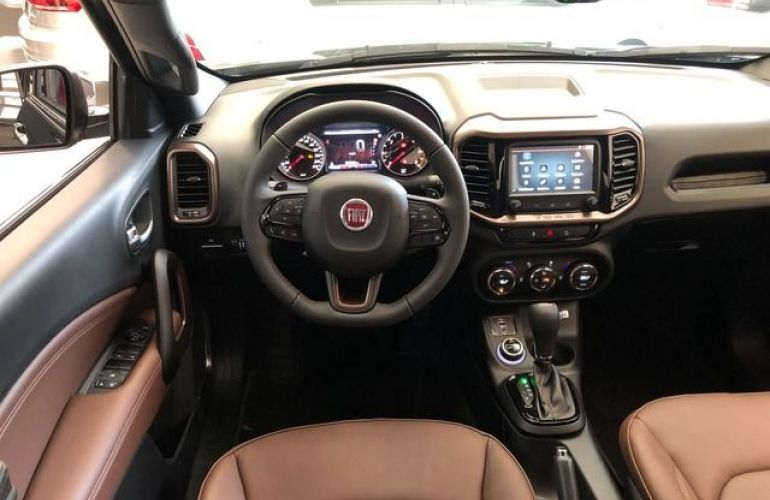 Fiat Toro Ultra 2.0 16V AT9 4WD - Foto #3