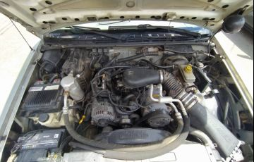 Chevrolet S10 Luxe 4x4 4.3 SFi V6 (Cab Simples) - Foto #4