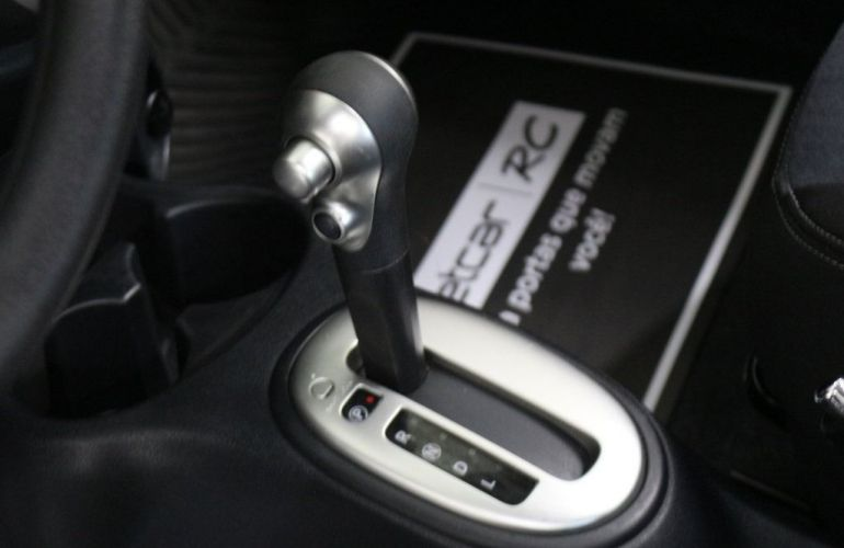 Nissan March SL CVT 1.6 16V Flex - Foto #6