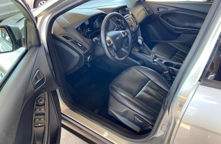 Ford Focus Hatch S 1.6 16V TiVCT PowerShift - Foto #7
