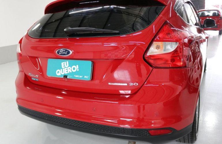 Ford Focus SE 2.0 PowerShift - Foto #6