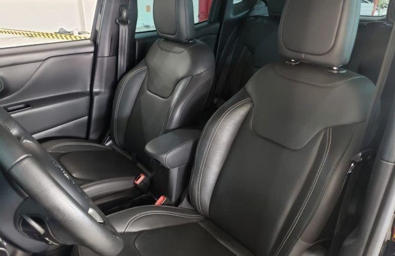 Jeep Renegade 2.0 16V Turbo Longitude 4x4 - Foto #5