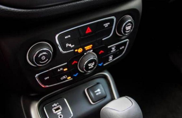 Jeep Compass 2.0 16V Longitude - Foto #2