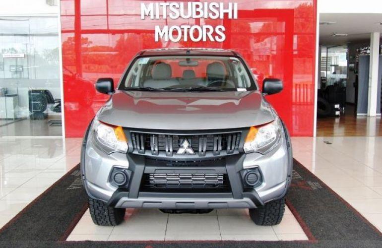 Mitsubishi L200 Triton Sport GLX Outdoor 2.4 4x4 - Foto #2