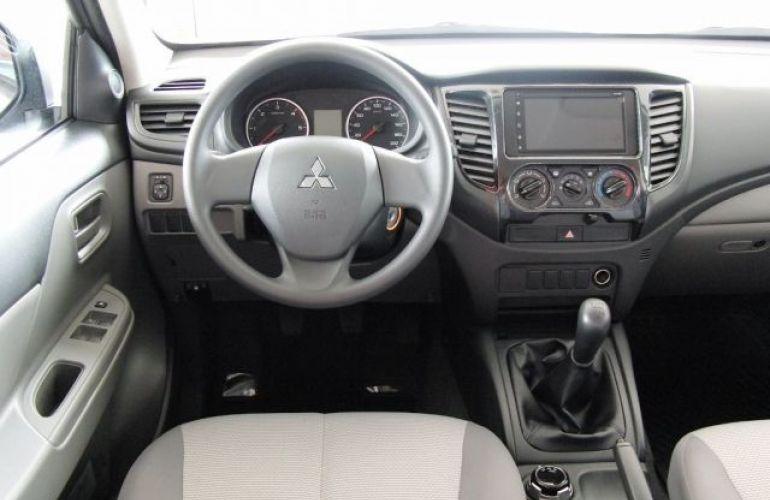 Mitsubishi L200 Triton Sport GLX Outdoor 2.4 4x4 - Foto #5