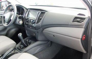 Mitsubishi L200 Triton Sport GLX Outdoor 2.4 4x4 - Foto #6