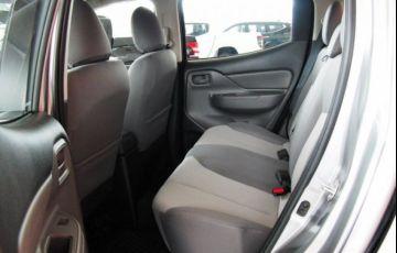 Mitsubishi L200 Triton Sport GLX Outdoor 2.4 4x4 - Foto #8