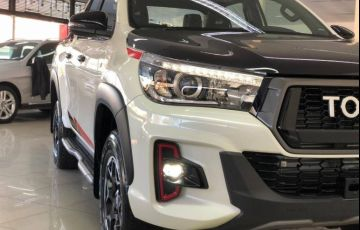 Toyota Hilux 2.8 Gr Sport 4x4 CD 16v - Foto #4