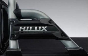 Toyota Hilux 2.8 Gr Sport 4x4 CD 16v - Foto #8