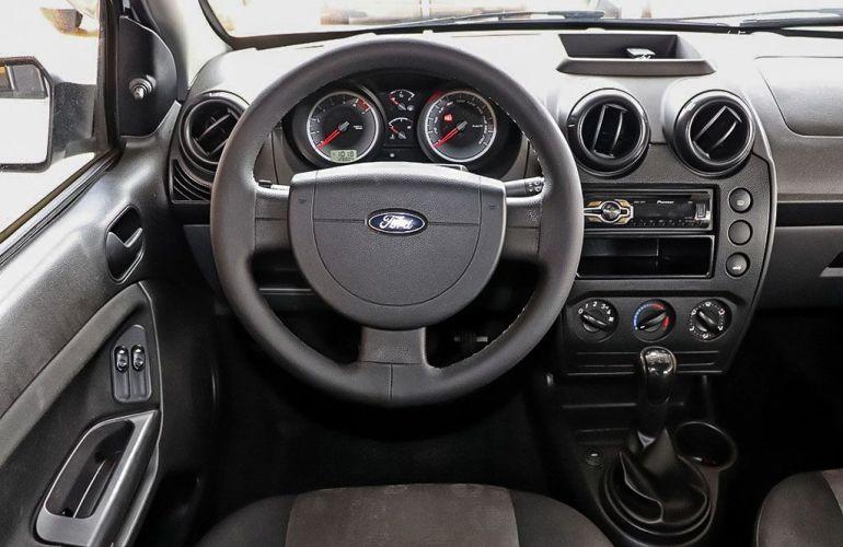 Ford Fiesta 1.0 Rocam Hatch 8v - Foto #5