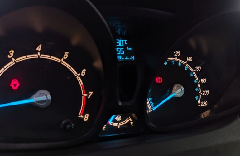 Ford Fiesta 1.5 SE Hatch 16v - Foto #9