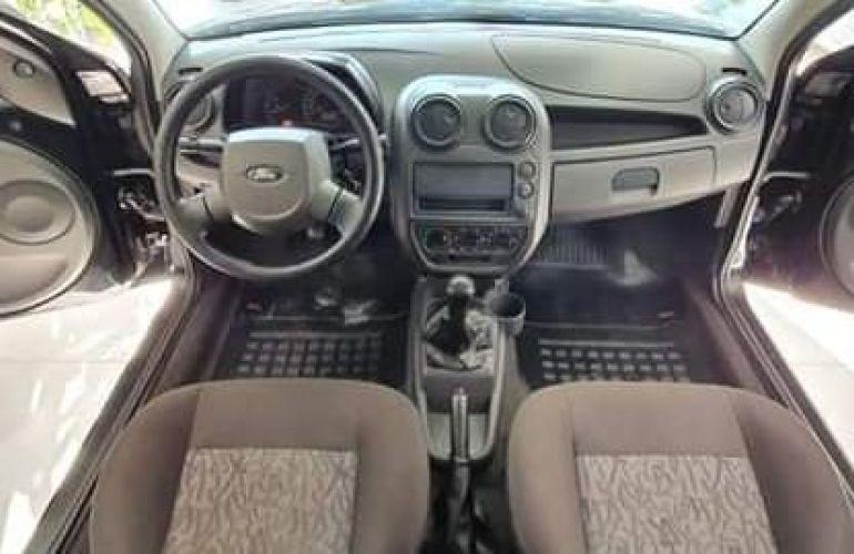 Ford Ka 1.0 MPi 8v - Foto #3