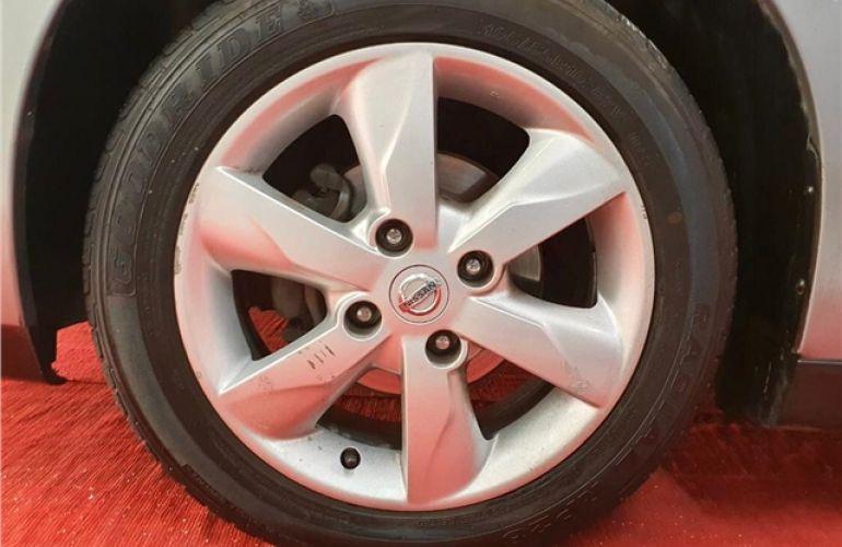 Nissan Tiida 1.8 SL 16V Flex 4p Automático - Foto #6