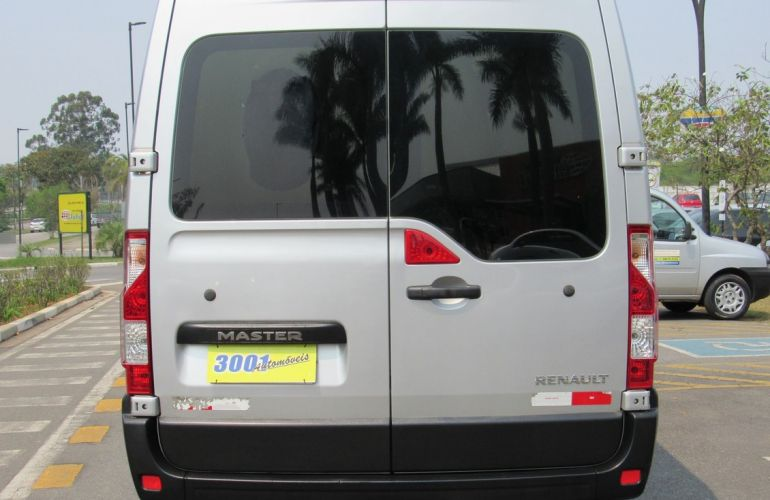 Renault Master 2.3 DCi Minibus Executive L3h2 16 Lugares 16v - Foto #4