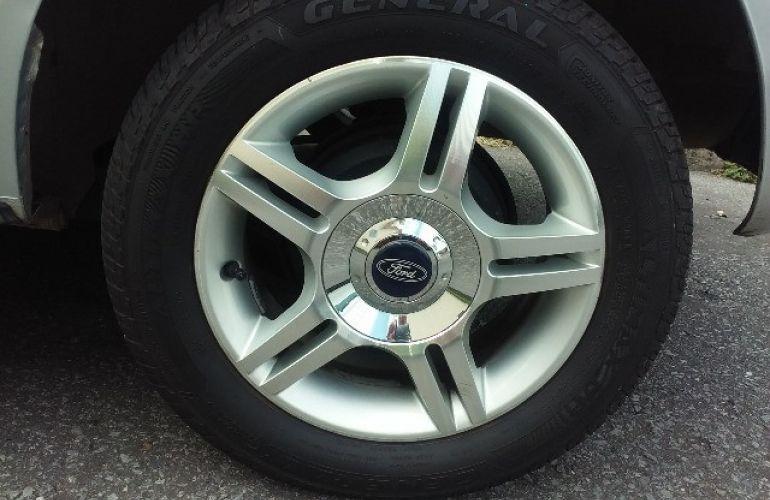 Ford Fiesta Hatch Trail 1.6 (Flex) - Foto #2