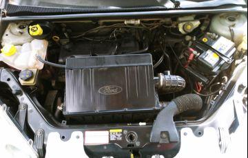 Ford Fiesta Hatch Trail 1.6 (Flex) - Foto #6