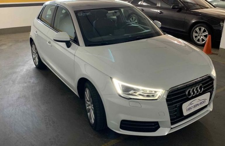 Audi A1 Sportback Attraction S-tronic 1.4 TFSI 16V - Foto #2