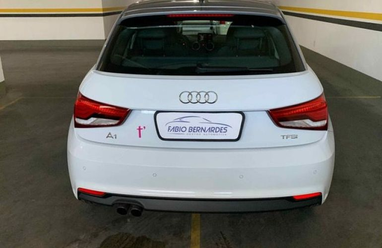 Audi A1 Sportback Attraction S-tronic 1.4 TFSI 16V - Foto #6