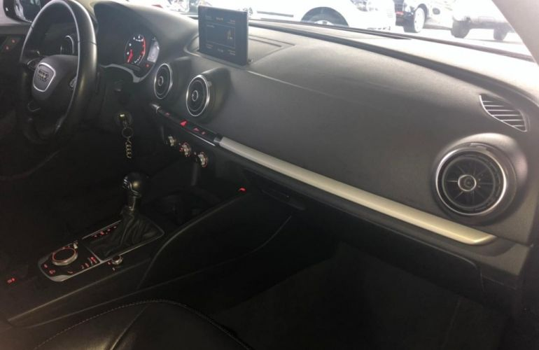 Audi A3 Sedan 1.4 TFSI Ambiente S Tronic - Foto #8