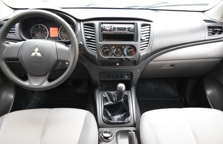 Mitsubishi L200 Triton 2.4 16V Turbo Sport GL CD 4x4 - Foto #6