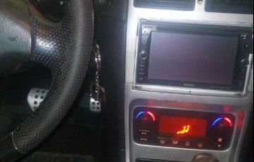 Peugeot 307 Sedan Griffe 2.0 16V (aut) - Foto #5