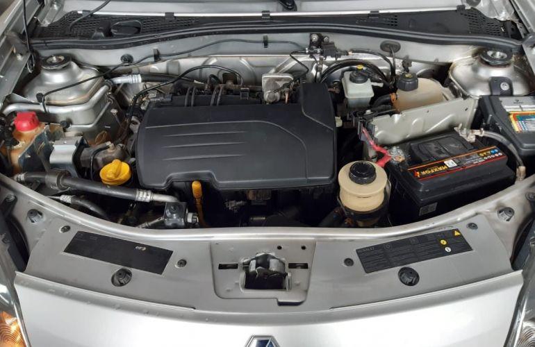 Renault Sandero Expression 1.0 16V Hi-Flex - Foto #8