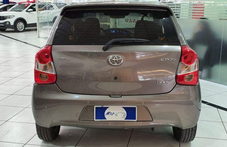 Toyota Etios 1.5 Xs 16v - Foto #8