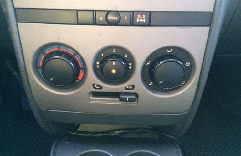 Fiat Idea Adventure 1.8 16V Flex - Foto #5
