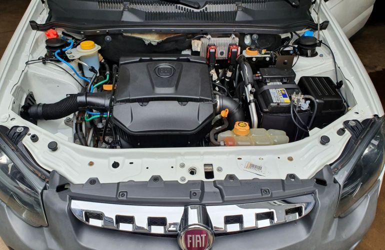 Fiat Strada 1.8 MPi Adventure CD 16v - Foto #6