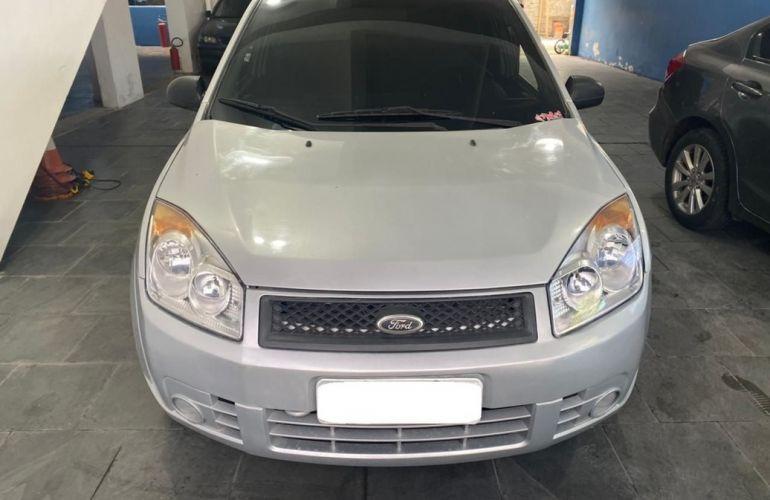 Ford Fiesta 1.0 MPi Sedan 8v - Foto #1