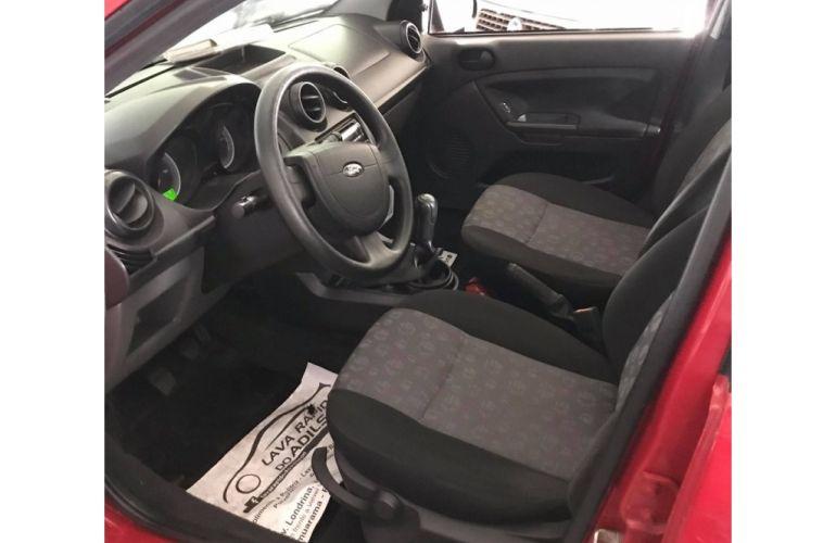 Ford Fiesta Hatch 1.0 MPi 4p - Foto #5