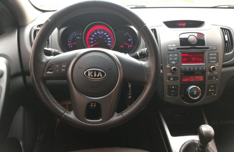 Kia Cerato 1.6 16V - Foto #8