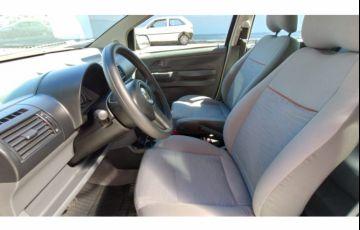 Volkswagen Fox Plus 1.6 8V (Flex) - Foto #10