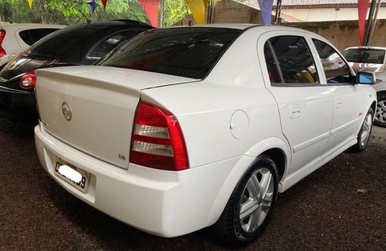 Chevrolet Astra Sedan 1.8 8V - Foto #4