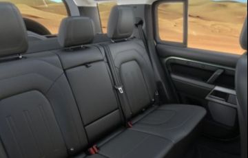 Land Rover Defender 2.0 P300 110 Hse Awd - Foto #3