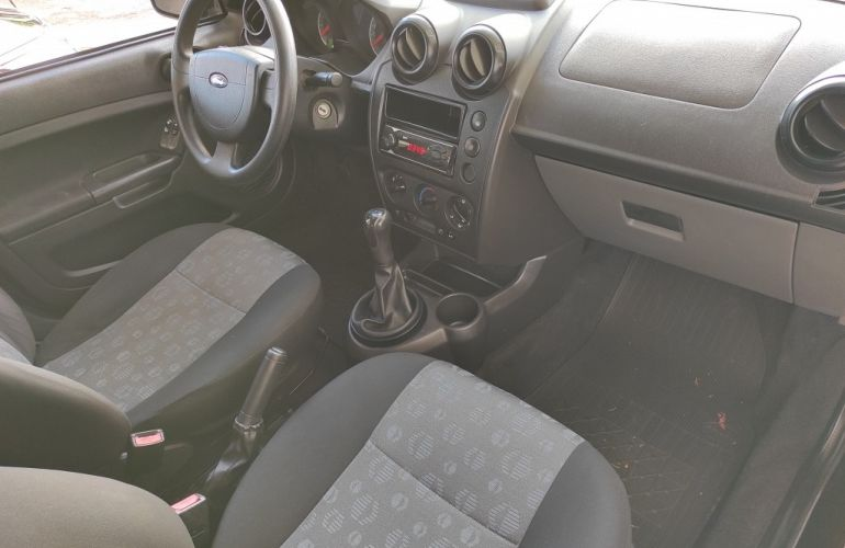 Ford Fiesta Hatch 1.6 (Flex) - Foto #4