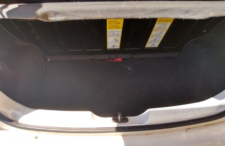 Volkswagen Fox Comfortline 1.6 MSI (Flex) - Foto #1