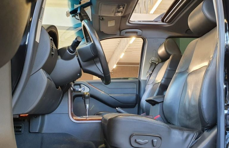 Nissan Pathfinder 4.0 Le 4x4 V6 24v - Foto #5