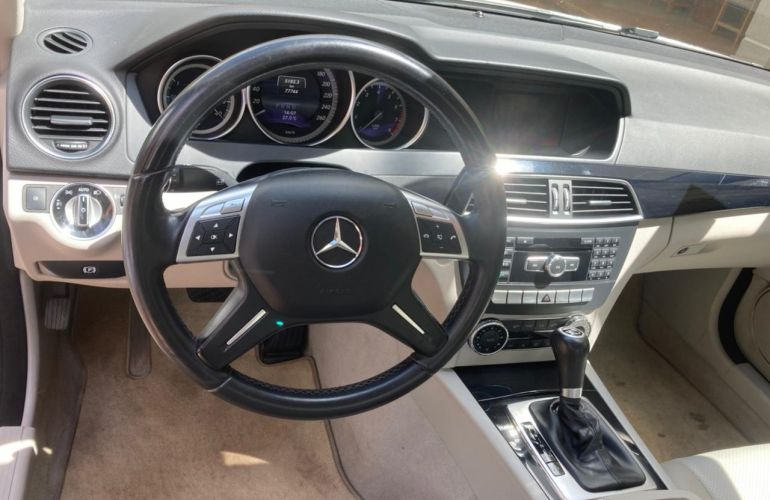 Mercedes-Benz C 180 Coupé 1.6 CGI Turbo - Foto #8