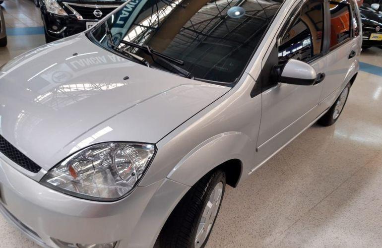 Ford Fiesta 1.6 MPi Class 8v - Foto #1