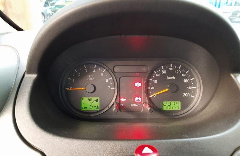 Ford Fiesta 1.6 MPi Class 8v - Foto #8