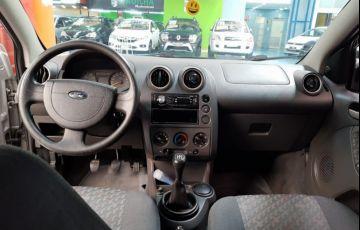Ford Fiesta 1.6 MPi Class 8v - Foto #10